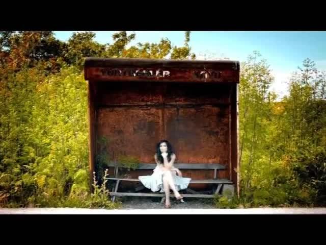 Nil Karaibrahimgil - Hakkında Herşeyi Duymak istiyorum klip 2011